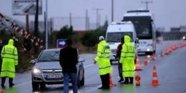 Polisin aracından 121 kilogram esrar çıktı
