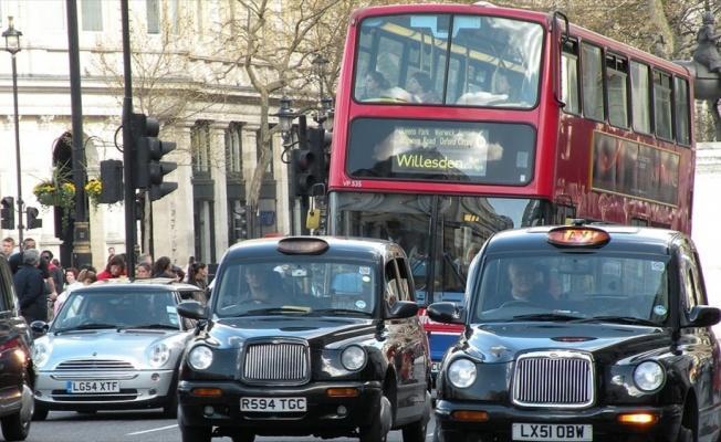 Süper zengin elitler gençlerin 'Londra hayalini' yıktı